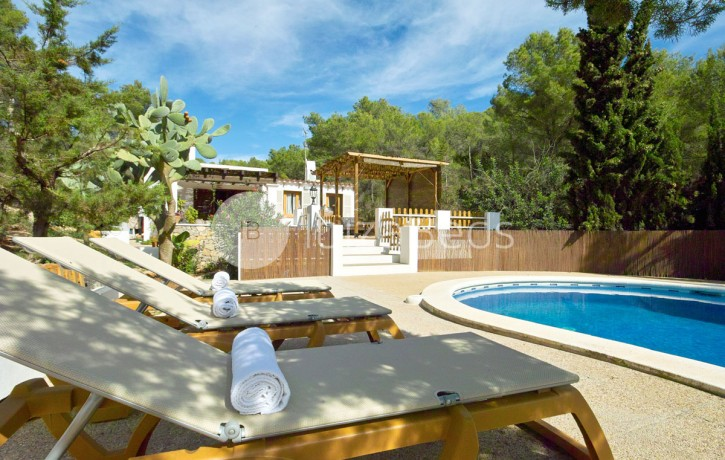 rural-holiday-villa-rental-ibiza-buscastell-sant-rafel-12