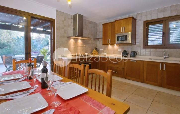 rural-holiday-villa-rental-ibiza-buscastell-sant-rafel-1