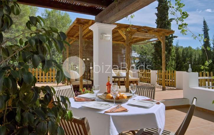 rural-holiday-villa-rental-ibiza-buscastell-sant-rafel-24