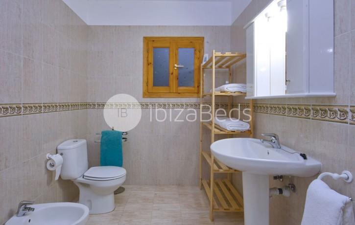 rural-holiday-villa-rental-ibiza-buscastell-sant-rafel-39