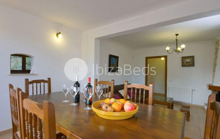 rural-holiday-villa-rental-ibiza-buscastell-sant-rafel-6