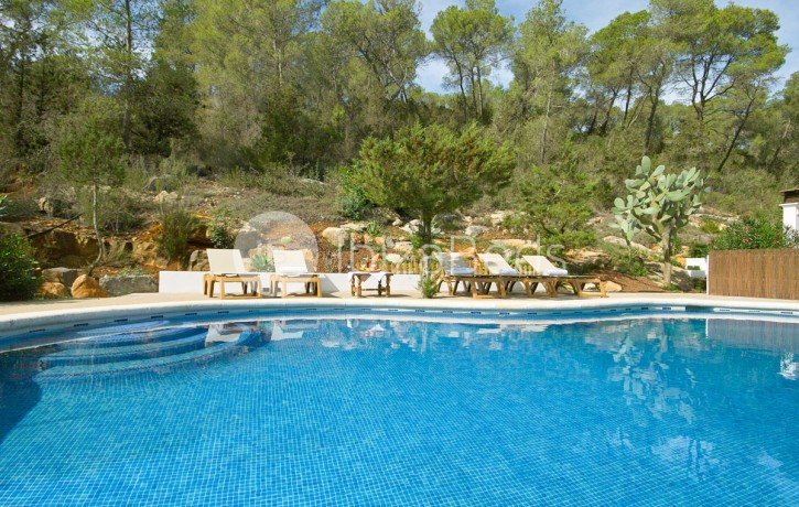 rural-holiday-villa-rental-ibiza-buscastell-sant-rafel-9