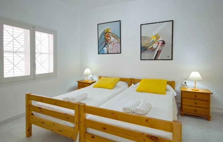 Ibiza-villal-Ibizabeds-colourful-11