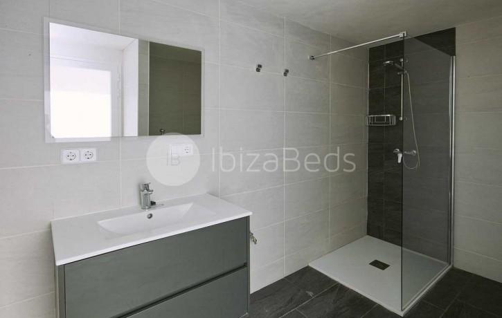 can-tixedo-ibiza-villa-bathroom-2