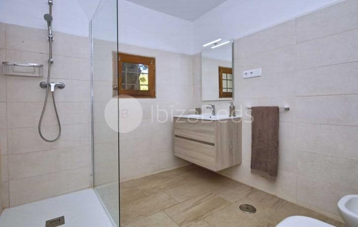 can-tixedo-ibiza-villa-bathroom-5