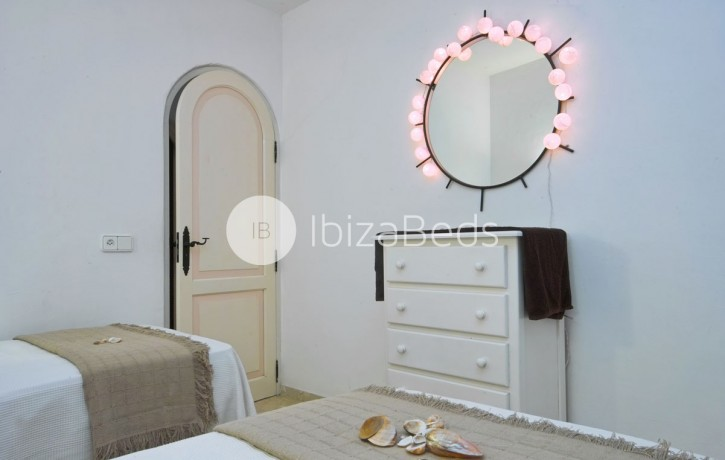 villa-rental-ibiza-talamanca-holiday-rental-21