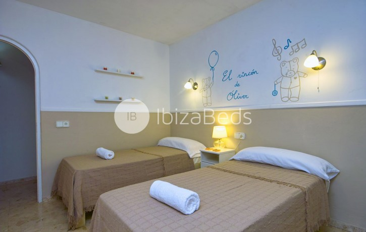 villa-rental-ibiza-talamanca-holiday-rental-9